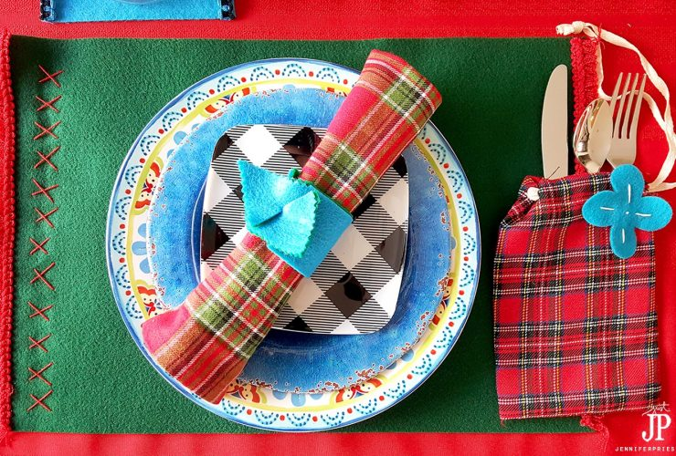 Felt DIY Placemats, Coasters, and Napkin Rings in Under 15 Minutes – #CraftLightning Holiday Edition